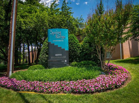 Spring Ridge Apartments Signage 12
