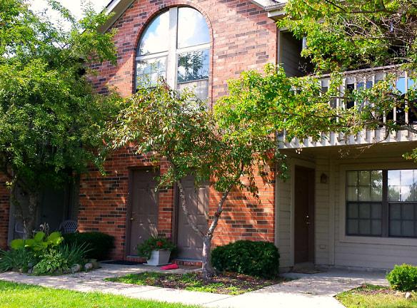 Inviting Building Exteriors - Lancaster Lakes Apartments in Clarkston, MI