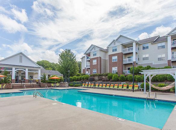 Make a splash this summer at Hawthorne at Main's sparkling swimming pool