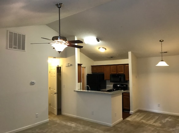 1 BR, 1 BA Valued ceiling, with wood burning fireplace 2nd fl.