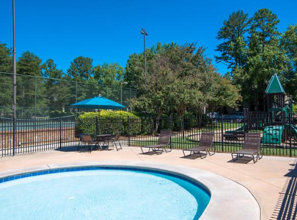 Make a splash this summer at Stonesthrow Apartments