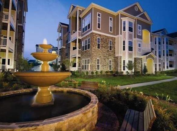 Stratford Club Apartments Leesburg, VA - Apartments For ...