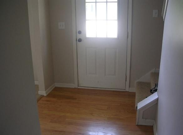 12705 Cedar Lane Living Room 2.jpg