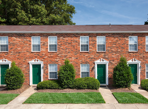 Woodbriar offers easy access to Powhite & Chippenham Parkway
