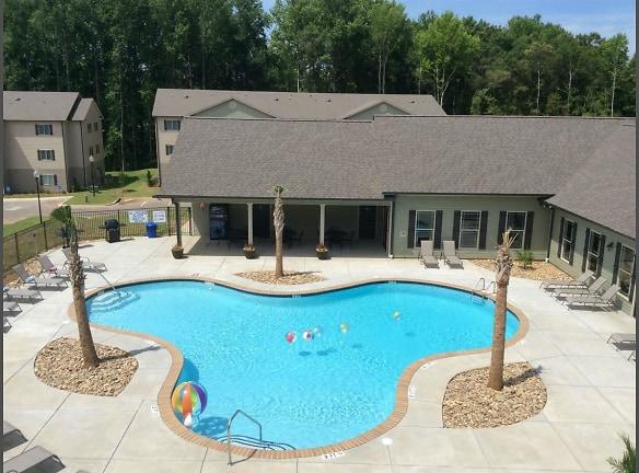Sparkling Resort Style Swimming Pool