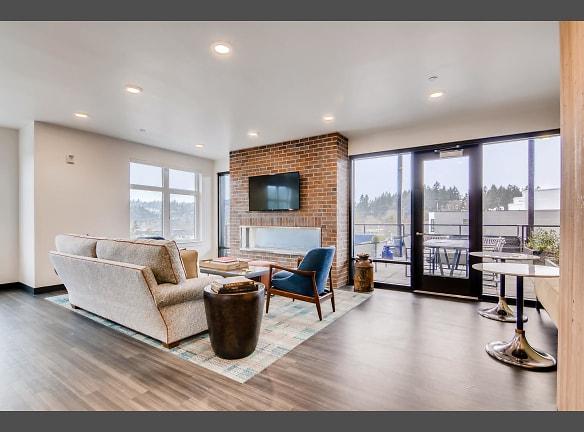 Community Lounge W/ Wifi, TV & Double Sided Fire Place