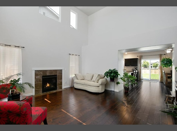 5218 family fireplace.jpg