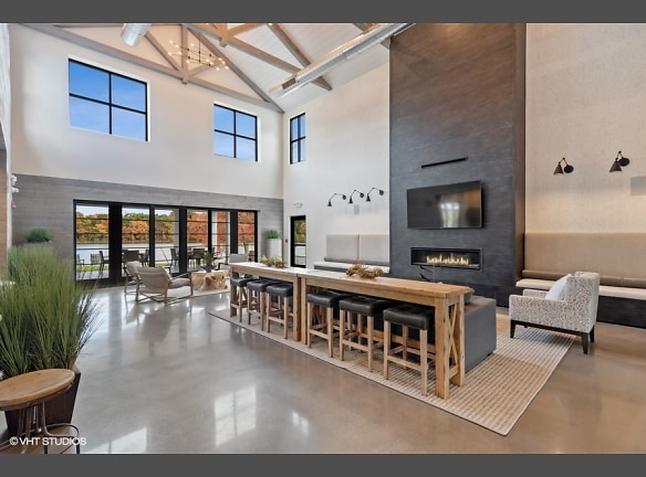 Breathtaking community space overlooking the pond