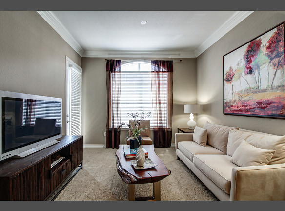Large living space perfect for entertaining