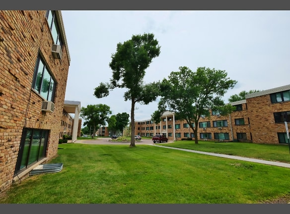 Aquila Park Apartments