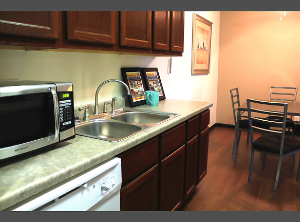 Sage Park Apartments - Kitchen - Dining