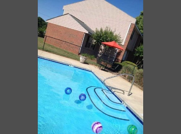 Play at the pool! *Free WIFI Location