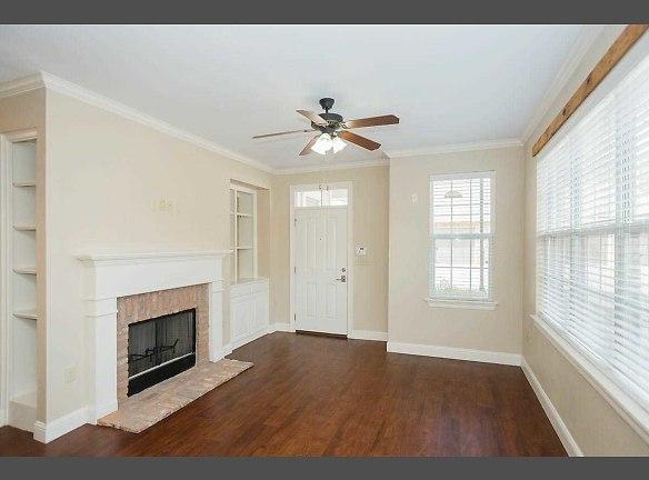 B1 Living Room