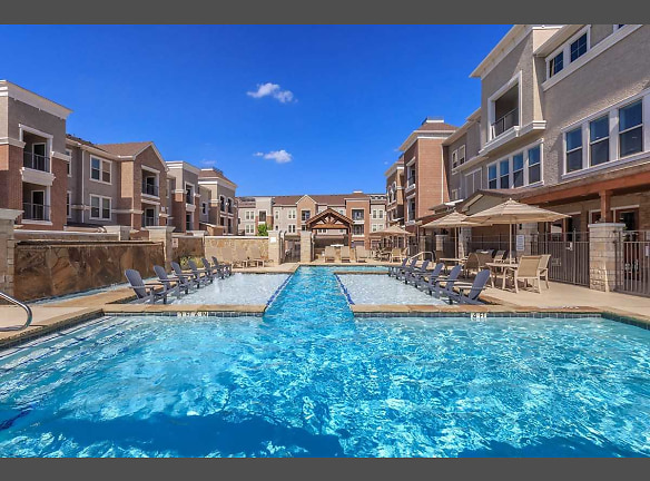 Resort Style Pool and Sundeck with Tanning Ledge