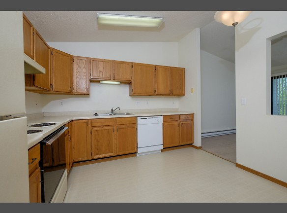 Bridgeport Apartments - 1 Bdrm - Kitchen