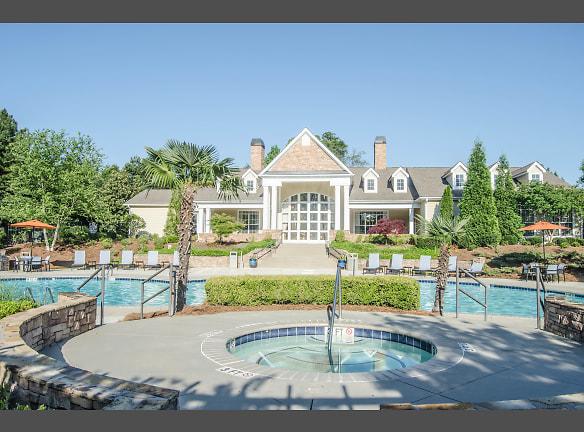 Resort Style Pool & Hot Tub