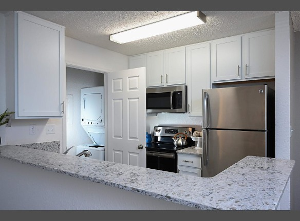 Stainless steel appliances, washer/dryer in all apartments