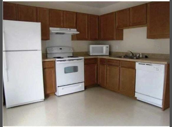 Carolyn Gardens-Large Kitchens