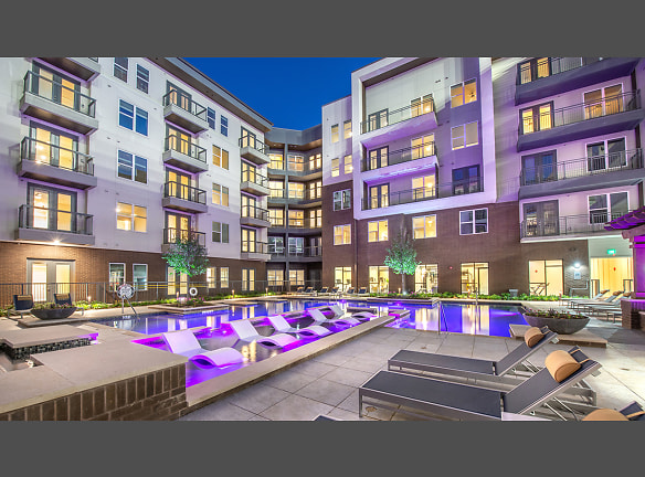 Resort-style pool courtyard