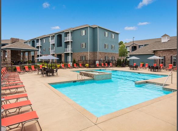 Ardmore Howell Road Resort-Style Pool