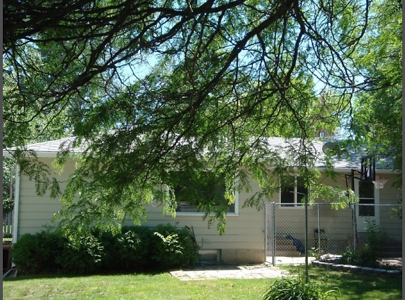 230 Smelter Ave Nw Great Falls Mt 59404 Home For Rent