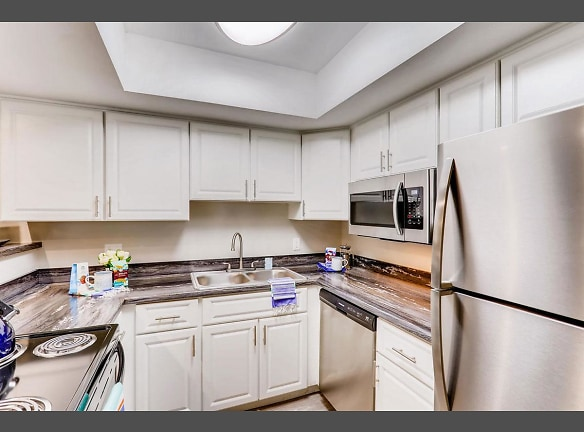 You will enjoy having a fully applianced kitchen, including a dishwasher!