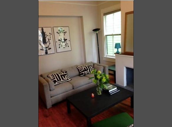 Screenshot_2019-06-25 311 E Duffy St #A, Savannah, GA - 2 Bed, 1 Bath - 15 Photos Trulia.png