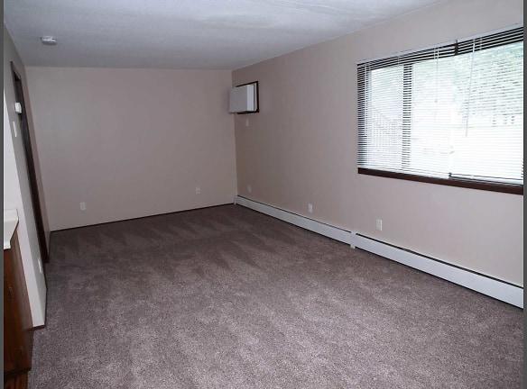 Scandia Woods Efficiency Living Room Bedroom