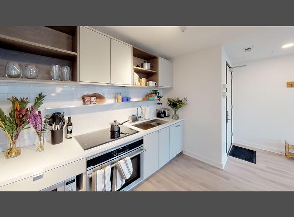 Suite-419-Kitchen.jpg
