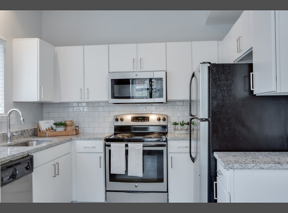 Upgraded Kitchen with Granite Countertops