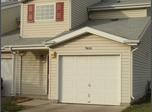 Caravelle and Townhomes Apartments For Rent - Omaha, NE ...