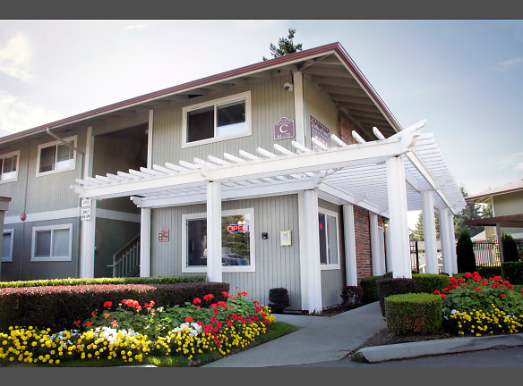 Renovated Apartments University Place Tacoma, WA