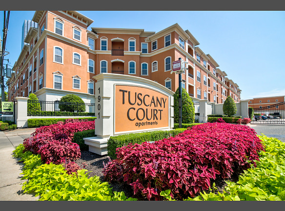 Welcome to Tuscany Count Apartments!