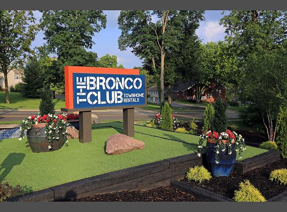 The Bronco Club Townhomes In Kalamazoo, MI Near Western Michigan University