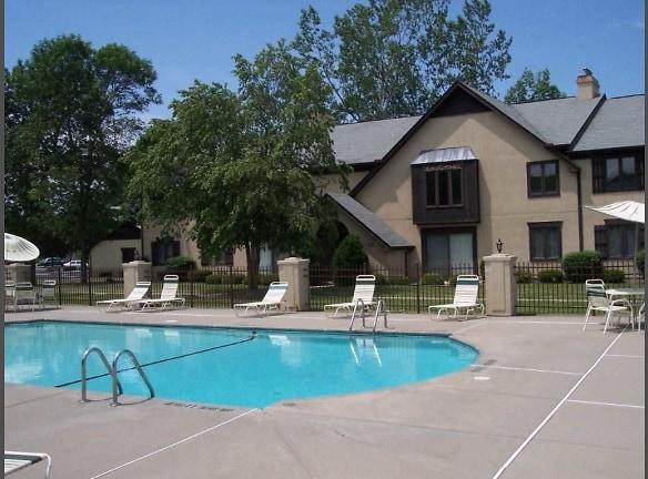 Ridgeview Heated Pool