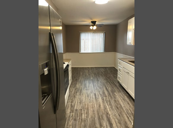 1216sqft 2X2 - Deluxe - Kitchen and Dining Area