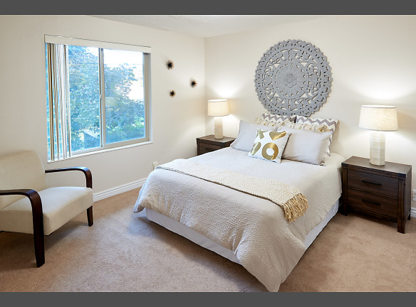 Very bright bedrooms with two closets!