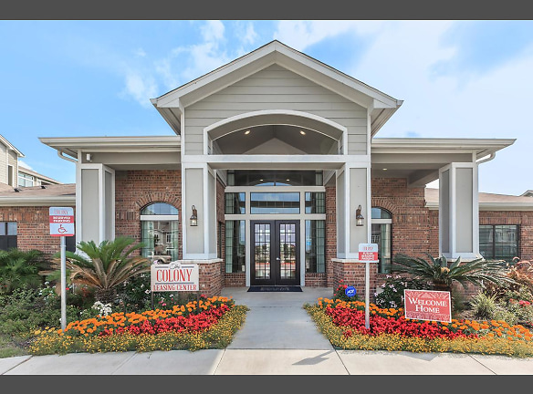 WELCOME HOME TO THE COLONY IN VICTORIA, TEXAS