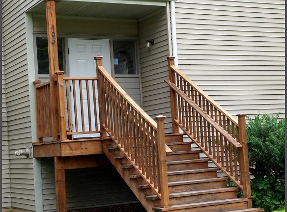 Scandia Woods Street Entry Stairs