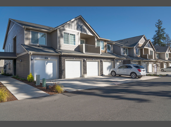 FREE GARAGES 5100 SUMMIT OFF CANYON
