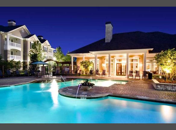 Nightshot of Pool