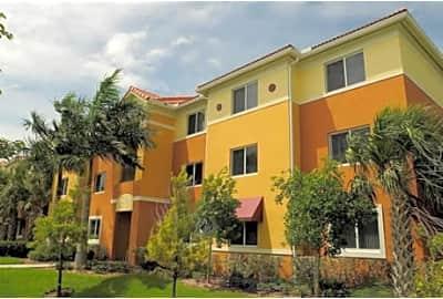 Tallman Pines Ne 41st Street Deerfield Beach Fl Apartments For Rent