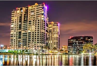 Essex Skyline Macarthur Pl Santa Ana Ca Apartments