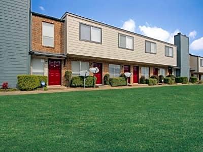 Auto Plaza Desoto >> Parkwood Plaza - W Center Street | Duncanville, TX Condos ...