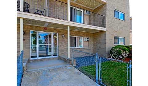 Embassy house robbins street lowell ma apartments for - 2 bedroom apartments in lowell ma ...