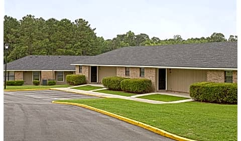 Deer Wood Apartments - E Main Street | Statesboro, GA ...