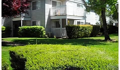Poplar Village - Poplar Drive | Medford, OR Apartments for ...