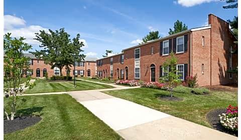 Village Square Apartments Brookwood Drive Bensalem Pa Apartments For Rent