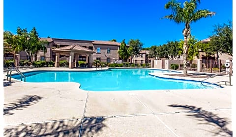 San martin north 67th avenue glendale az apartments for rent for Cheap 1 bedroom apartments in glendale az