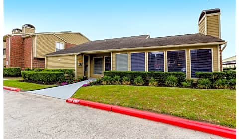 Foxwood foxwood forest blvd humble tx apartments for rent for 3 bedroom apartments in humble